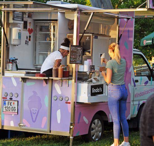 Zusätzlich zu Speisen und Getränken gab es auch Lindas Eis.