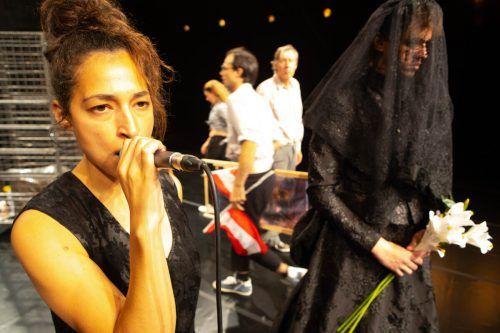 Nach der Uraufführung in Bregenz läuft das Aktionstheater-Stückin Wien. VN/KH