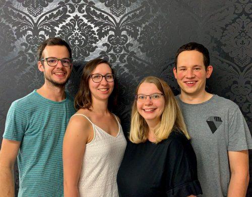 Alexander Marent, Valerie Juriatti, Raffaela Bitschnau-Osti und Lukas Bitschnau freuen sich auf die Eröffnung ihres Escape Rooms.BI