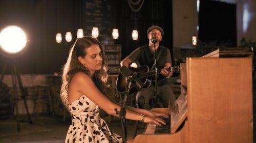 Amber Rae und Jochen Grabher haben einen gemeinsamen Song veröffentlicht.vv