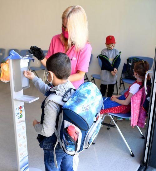 An den Schulen müssen strenge Hygieneregeln eingehalten werden. APA