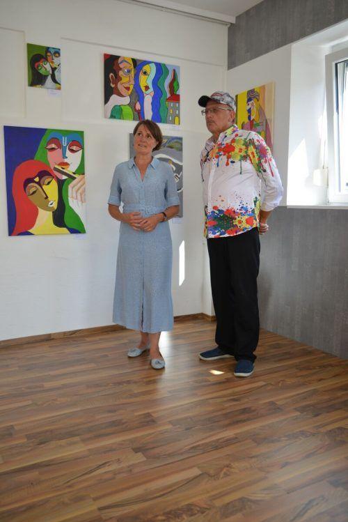 Auch Vizebürgermeisterin Angelika Moosbrugger besichtigte die Kunstwerke.
