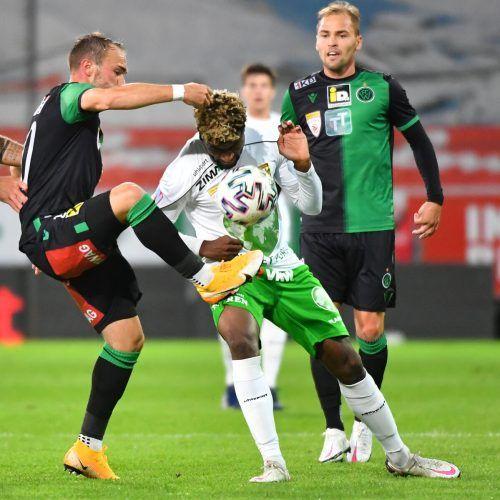 Austria Lustenaus Brandon Baiye stemmte sich gemeinsam mit seinen Teamkollegen gegen starke Innsbrucker und erkämpften einen Punkt.