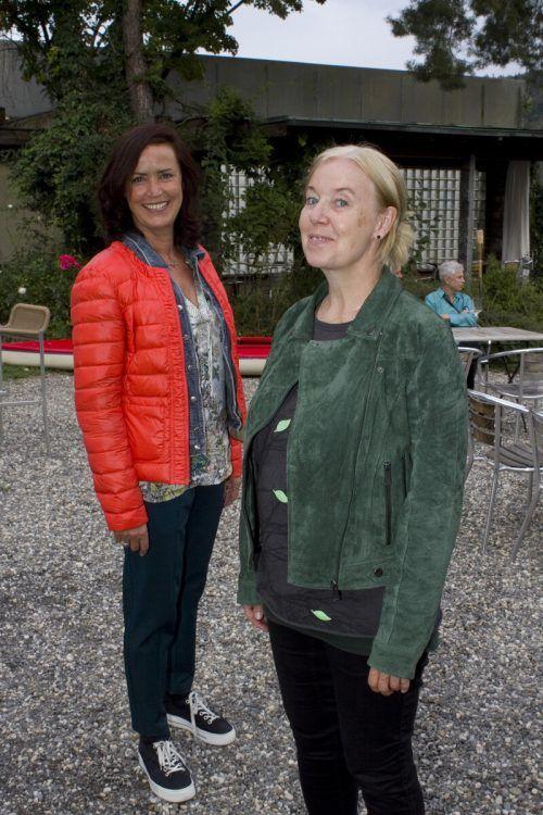 Bärbel Gleeson (l.) und May-Britt Nyberg-Chromy.