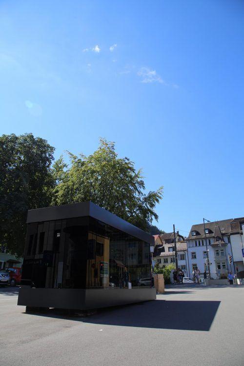 Claudia Maria Lehner bespielt derzeit die Kunstbox am Jahnplatz.uysal