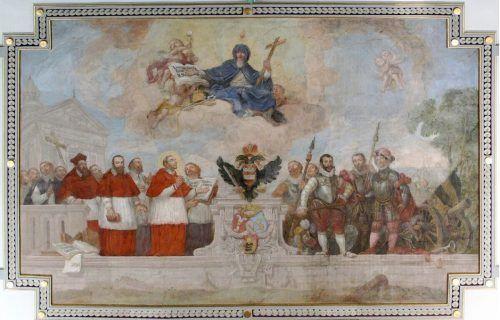 Das Decken- Fresko in der Pfarrkirche St. Karl ist dem Tridentinum gewidmet.bet