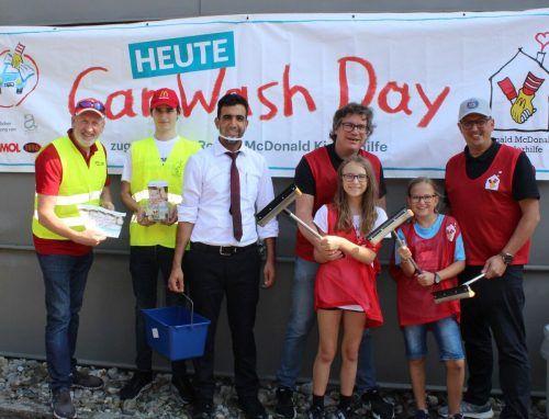 Das Hohenemser Car Wash Day-Team freut sich über das gute Ergebnis.