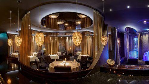Das Restaurant Ammolite bildet den glamourösen Rahmen für die Sterneküche von Hagen-Wiest. FA/Andres