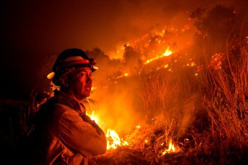 Dauereinsatz für Zehntausende Feuerwehrleute an der Westküste der USA. AFP