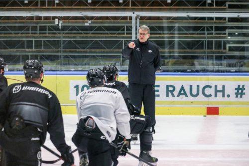 DEC-Coach Kai Suikkanen lässt sich trotz fehlender Schlüsselspieler nicht aus der Ruhe bringen. CDM/Margotti