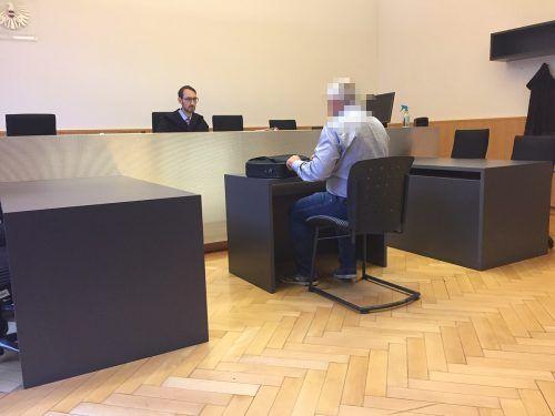 Der Angeklagte behauptete vor Richter Andreas Böhler, sich an nichts mehr erinnern zu können. Aber immerhin würde ihm das Ganze leid tun. VN/SOHM