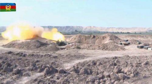 Der gegenseitige Beschuss setzte sich fort. AFP/Azerbaijani Defence Ministry