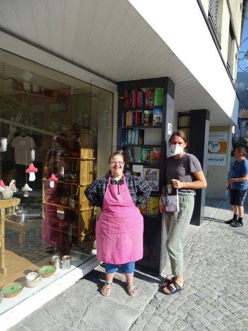 Der neue Bücherschrank in Bludenz wird von den Mitarbeitern des Sprungbrettlädeles mitbetreut. Stadt