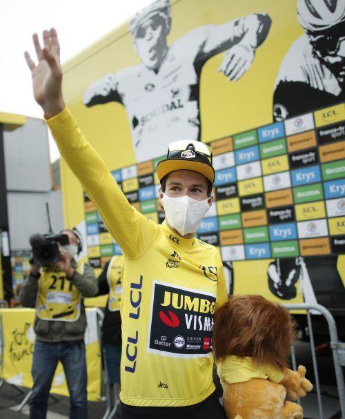 Der Slowene Primoz Roglic hat sich am Tag vor dem heutigen Ruhetag das Gelbe Trikot bei der Tour de France übergestreift.Reuters