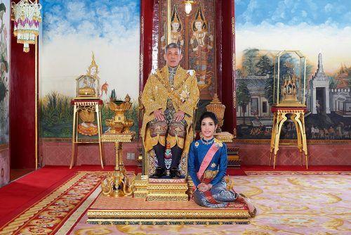 """Der thailändische König Maha Vajiralongkorn hatte seine Geliebte Sineenat """"Koi"""" Wongvajirapakdi im vergangenen Herbst verstoßen. Reuters"""