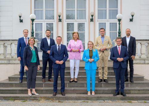 Der Vorarlberger Wirtschaftslandesrat Marco Tittler mit seinen Bundesländerkollegen und Wirtschaftsministerin Margarete Schramböck. nlk