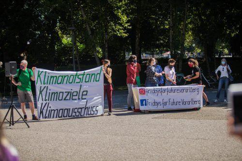Die Aktivisten von Fridays for Future haben sich am Freitag in Bregenz versammelt. In einer Woche ist eine Demo in Dornbirn geplant.VN/Steurer