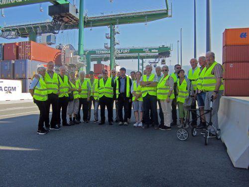 Die Andelsbucher Senioren zeigten sich beeindruck vom ÖBB-Güterterminal.sb andelbsuch
