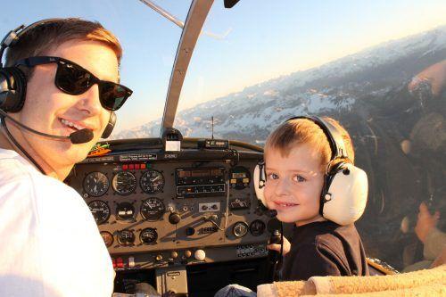 Für die Kinder ist der Flug mit dem Rundflugteam Hohenems jedes Mal ein Erlebnis. Rundflugteam