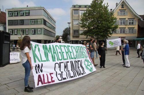 """Die Fridays-for-Future-Kampagne """"Klimaländle – Klimagerechtigkeit in alle Gemeinden"""" wurde mit Rednern und Band in Dornbirn abgeschlossen.Mayer"""