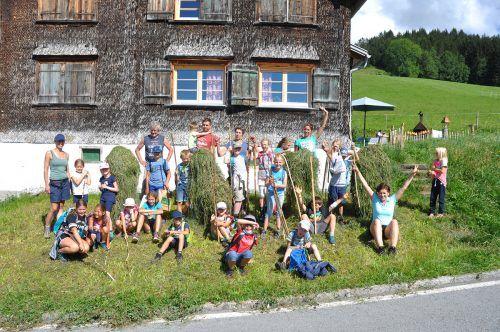 Die Kinder konnten Alperlebnistage am Trekkinghof in Furx verbringen. Marktgemeinde