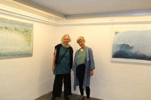 Die Künstlerinnen, Inge Kerschbaumer-Palacz (l.) und Renate Wittwer, konnten zahlreiche Besucher bei ihrer Ausstellung begrüßen.str