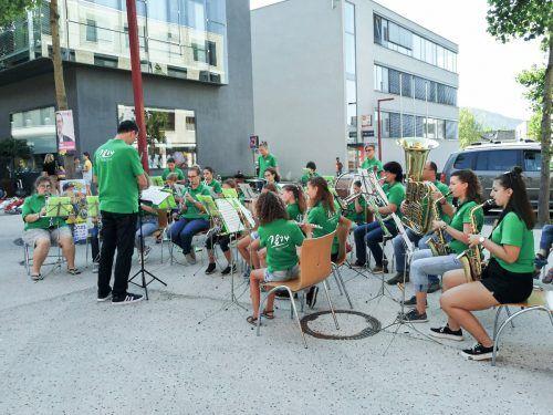 Die Nachwuchsmusiker begeisterten beim Kids Day am Garnmarkt. Verein