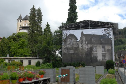 Die Villa musste nach dem Brand im Frühjahr gegen Witterungseinflüsse gesichert werden. Marktgemeinde