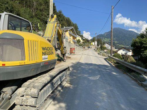 Die Sanierungsarbeiten an der Hauptverbindung ins Große Walsertal beinhalten auch eine neue Entwässerung und Beleuchtung.vn/js
