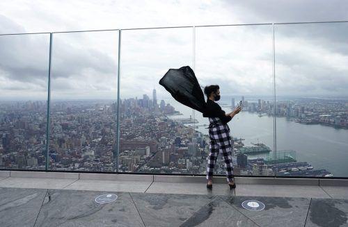 """Die spektakuläre Aussichtsplattform """"The Edge"""" in New York ist erstmals seit Beginn der Coronapandemie wieder öffentlich zugänglich.  AFP"""
