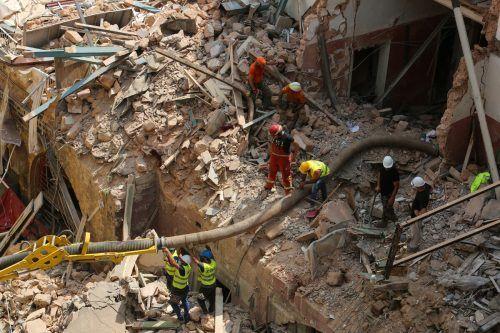Die Suche nach einem möglichen Überlebenden wurde am Freitag fortgesetzt. Reuters