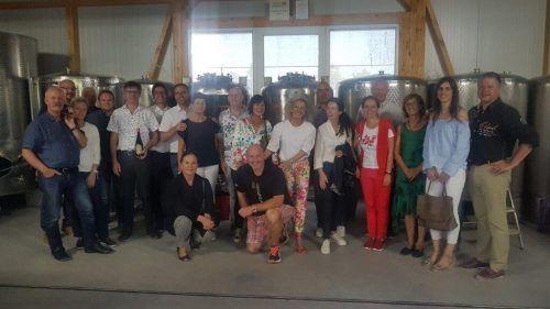 Die Gewinner der Tombola beim Gildenball der Bregenzer Faschingsgesellschaft erhielten Einblicke in den Winzeralltag. BFg