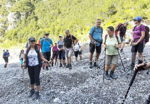Die Wanderfreunde vom Seniorenbund auf dem Weg zur Fritzenhütte.Seniorenbund