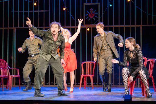 """Die """"Woyzeck""""-Premiere konnte noch vor mehr als 250 Zuschauern stattfinden, nun muss das Landestheater einen neuen Spielplan erarbeiten. Lerch"""