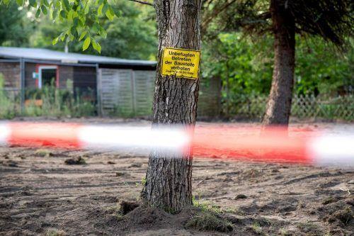 Dieses Grundstück einer Kleingartenanlage im Norden von Hannover wurde nach Beweisen im Fall Maddie umgegraben. AFP