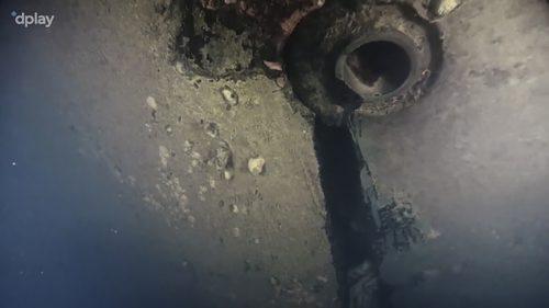 Dokumentarfilmer entdeckten mit einem Tauchroboter ein Loch im Rumpf. AFP