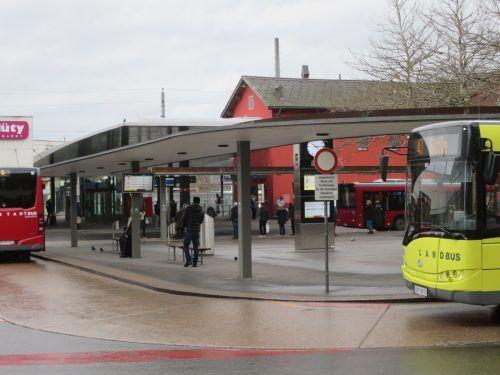 Dornbirn überlegt sich die Unterbauung des Busbahnhofs, um den Verkehrsablauf zu verbessern. ha