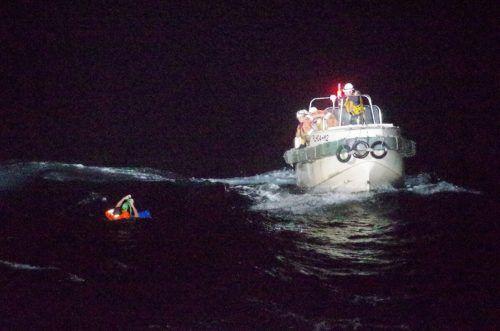 Ein Crewmitglied wurde im Ostchinesischen Meer treibend aufgefunden. Reuters