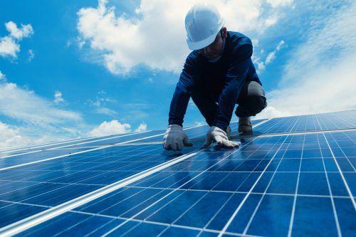 Erneuerbare Energieformen sind auch im urbanen Bereich die Zukunft. Shutterstock