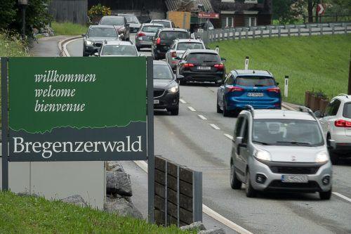 Es werden gemeinsam Alternativen für den steigenden motorisierten Verkehr gesucht.