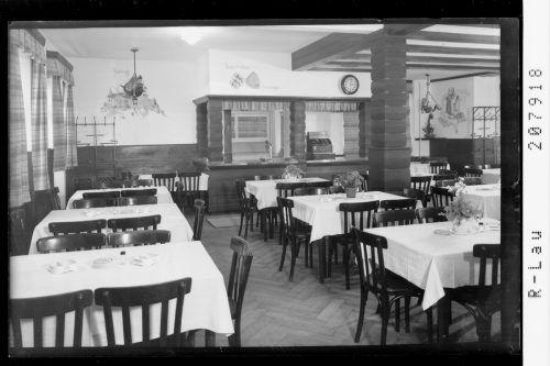 Forsters Bierhalle von innen mit Speisesaal und Buffet.                               Sammlung Risch-Lau, Vorarlberger Landesbibliothek