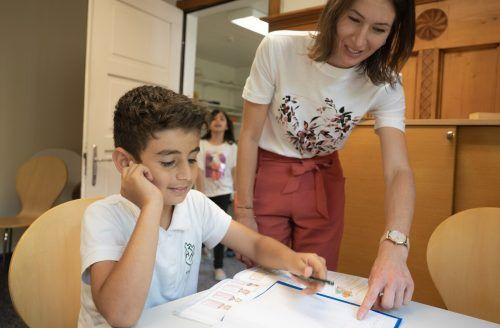 Die erfolgreiche Arbeit in den Lerncafés der Caritas wird ab Herbst auch in Höchst angeboten. Caritas