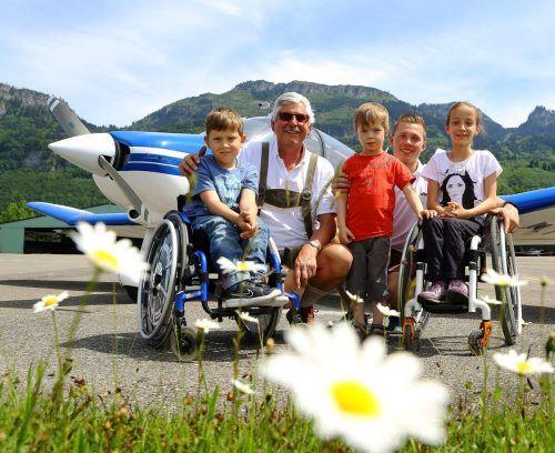 Für die Kinder mit Handicap ist der Flugtag am Flugplatz Hohenems jeweils ein besonderes Erlebnis.rft hnms