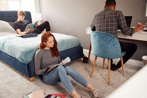 Für Studenten ist es nicht einfach, günstigen Wohnraum zu ergattern.