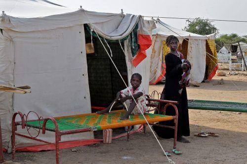 Ganze Dörfer wurden vernichtet. Zehntausende in Notunterkünften untergebracht.