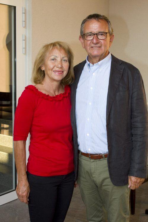 Gastgeber OM Helmut Khüny (Slow Food) mit Ulli Assmann.
