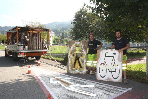 Gut sichtbare Straßenmarkierungen als Garanten für mehr Sicherheit auf den Lochauer Straßen und Wegen, im Besonderen für Fußgänger und Radfahrer.bms