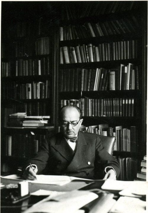 Hans, Kelsen, Mitautor der Verfassung.