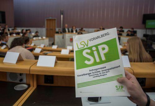 Im Schülerparlament diskutieren Vorarlbergs Schülervertreter meistens auch über ein Unterrichtsfach Politische Bildung. VN/Paulitsch