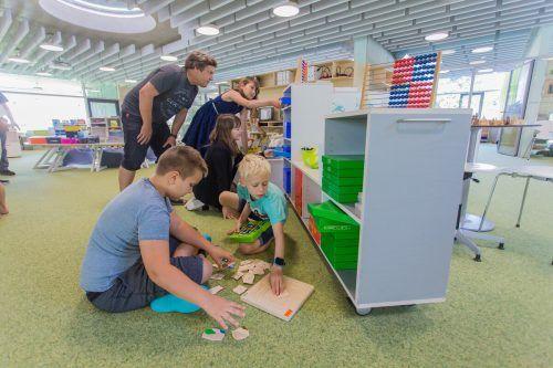 In den Lernquartieren der VS Dornbirn-Haselstauden eröffnen sich für Schüler und Lehrer neue Möglichkeiten. VN/Steurer